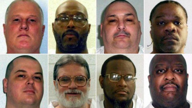 Da esquerda para a direita, no topo, os condenados: Don Davis, Stacey Johnson, Jack Jones e Ledell Lee; na linha de baixo: Jason McGehee, Bruce Ward, Kenneth Williams and Marcel Williams