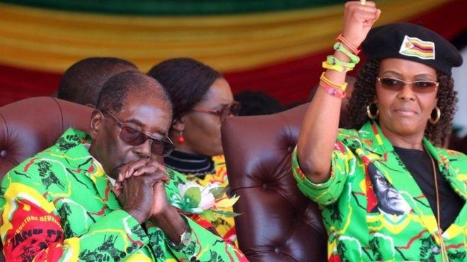 Rais Mugabe na mkewe bi Grace Mugabe