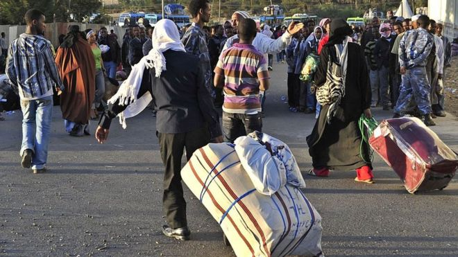 Ethiopian immigrants returning from Saudi Arabia arrive at Addis Ababas Bole International Airport on December 10, 2013.