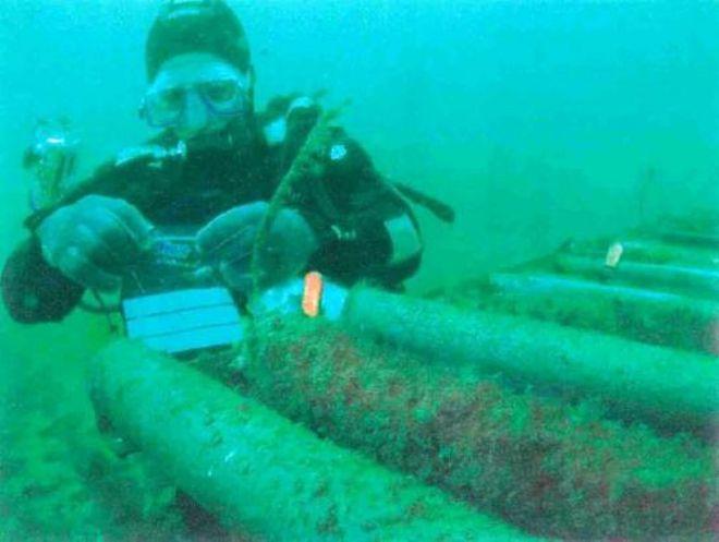 Consertando um cabo submarino