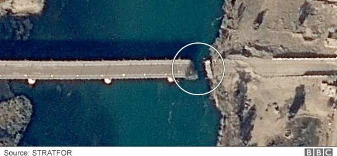 Musul'daki Al Camuriye Köprüsü'ne verilen hasar