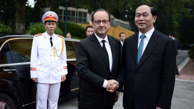 Tổng thống Pháp Francois Holland bắt tay Chủ tịch VN, Trần Đại Quang tại Hà Nội tháng 9/2016