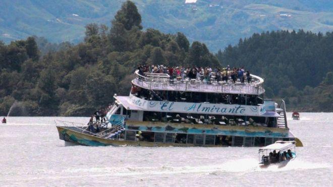კოლუმბიაში გემი ჩაიძირა