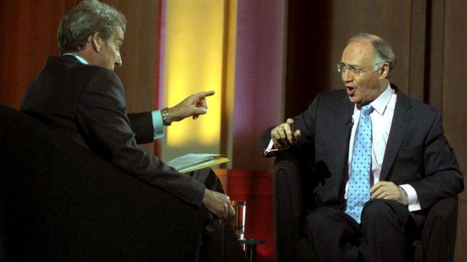 Знаменитое интервью Паксмана с политиком Ховардом: вопрос, заданный много раз подряд, так и остался без ответа
