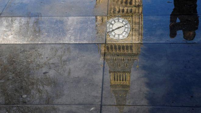 Listenin 7'inci sırasında Londra'daki ünlü Saat Kulesi Big Ben var