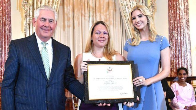 Rex Tillerson, secretario de Estado de Estados Unidos: Alika Kinan; e Ivanka Trump.
