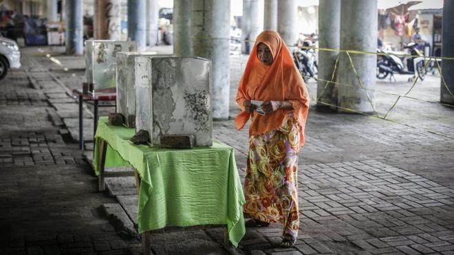 民间反华气氛加剧之际 雅加达省长竞选引发抗议