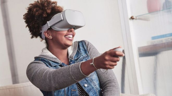 Oculus Go does not require a smartphone to power its visuals
