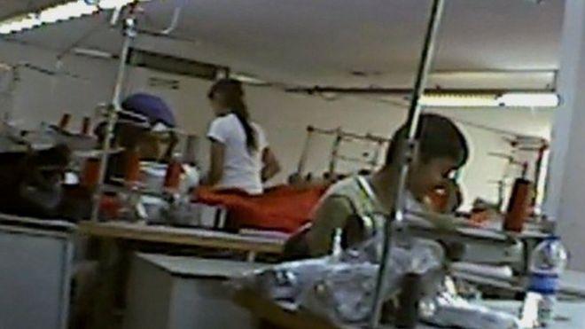 Niños sirios en una fábrica en Turquía