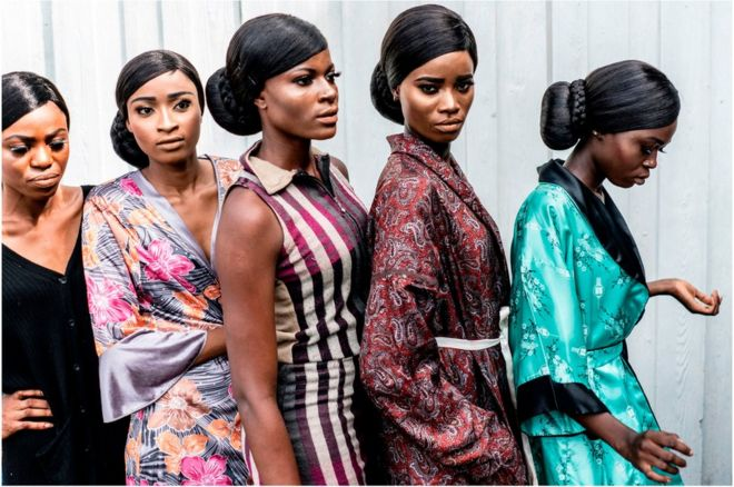 Người mẫu từ bốn nước châu Phi - Senegal, Cameroon, Ghana và Zambia - tham gia vào lễ hội Thời trang Phi châu tại Lagos.