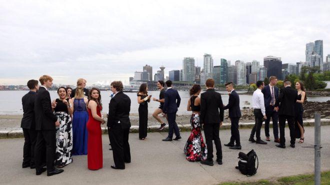 Герой бала выпускников: пробежка премьера Канады Джастина Трюдо в шортах впечатлила студентов