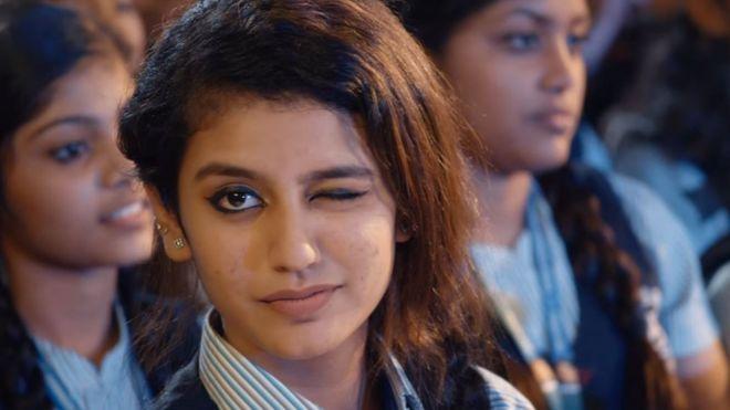'नेशनल क्रश ऑफ इंडिया' प्रिया प्रकाश के खिलाफ दर्ज हुई FIR