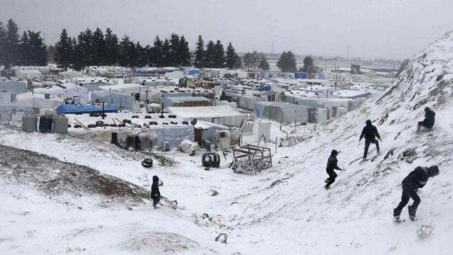 دست کم ۱۵ آواره سوری از فرط سرما جان دادند