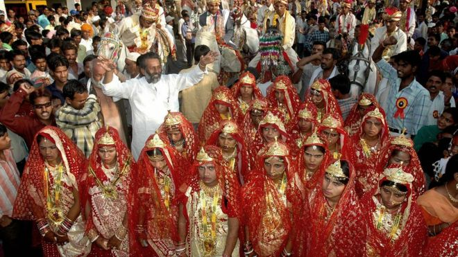 совращение замужних телок на свадьбах