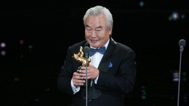 中國資深演員涂們以《老獸》拿下了影帝頭銜。