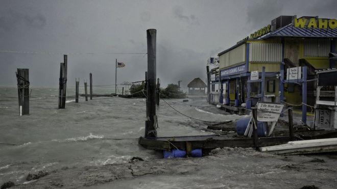 Los vientos de Irma, que todavía no golpea con toda su fuerza ya se sienten en Islamorada, en los cayos de Florida.