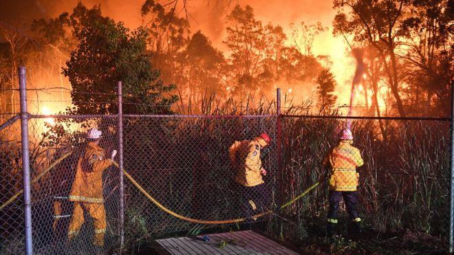 آتش سوزی مهیب طبیعی به جنوب سیدنی نزدیک شد
