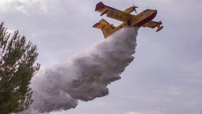 مهار بخشی از آتشسوزی بیسابقه در لسآنجلس