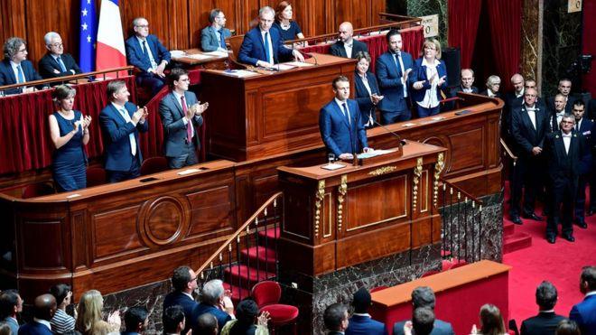 ماکرون در نشست مشترک مجلس ملی و مجلس سنا