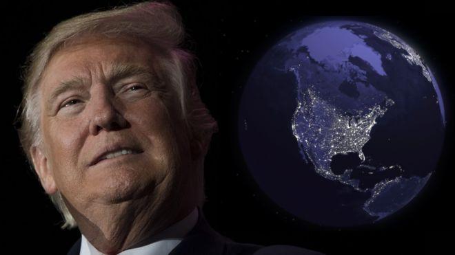 Donald Trump y el mundo con Estados Unidos destacado.