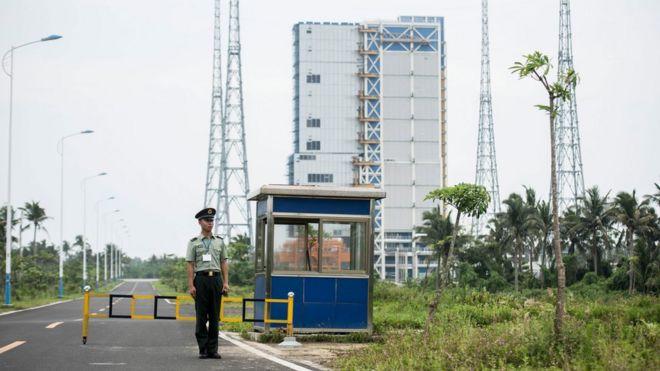 中国发射天舟一号货运飞船 「快递小哥」有多牛?