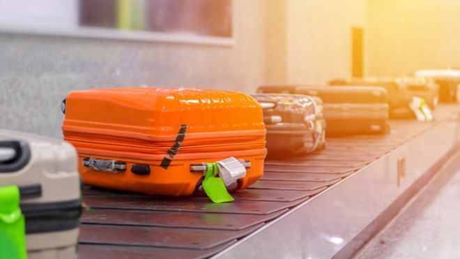 Baggage handler charged with mischief for swapping people's luggage tags