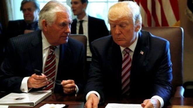 Ngoại trưởng Mỹ Rex Tillerson (Trái) được cho là đã từ chối đề nghị tổ chức bữa tiệc nhân dịp lễ Eid