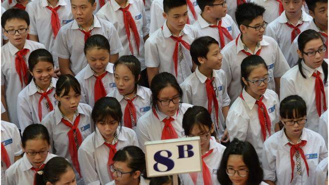 """Việc áp dụng mô hình giáo dục nước khác """"đòi hỏi có sự thay đổi cho phù hợp với đặc trưng riêng của môi trường Việt Nam"""", GS Jonathan London nói."""