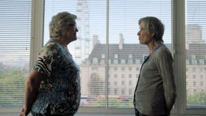 Jackie (à esquerda) e Gillian (à direita)
