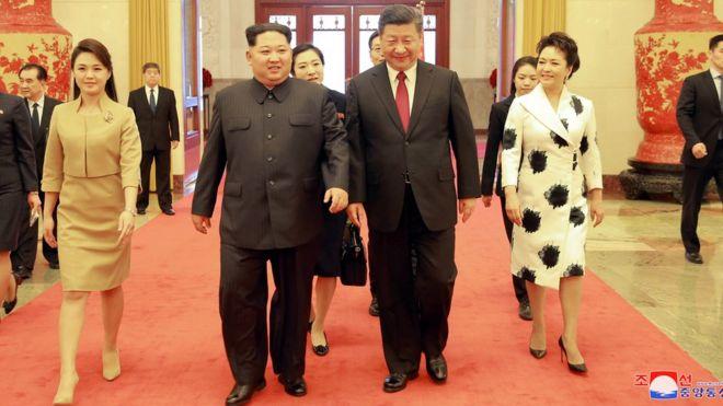 李雪主、金正恩、习近平与彭丽媛(从左至右)