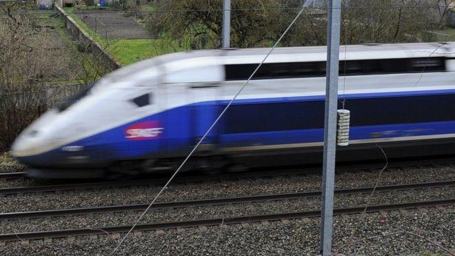 Во Франции репетировавшего в поезде актера приняли за террориста