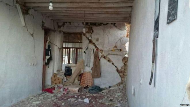 ईरान भूकंप: 'कब्रें टूट गईं और उनसे लाशें बाहर आ गईं'