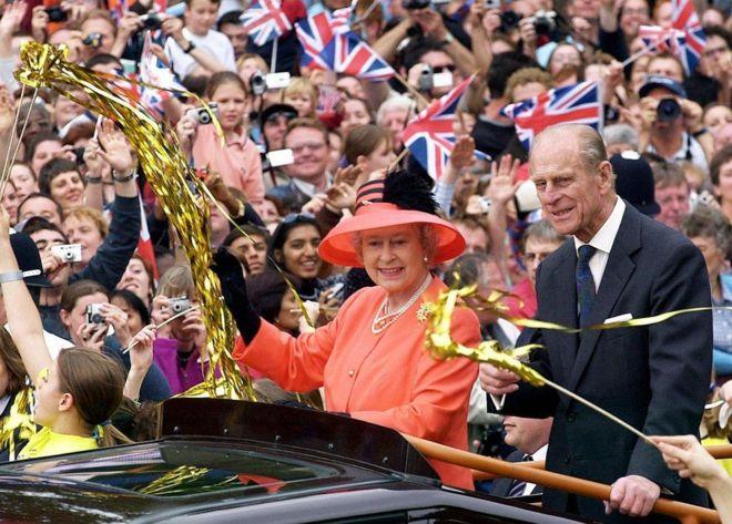 Những năm 2000: Diễu hành Lễ kỷ niệm 50 năm ngày lên ngôi của Nữ hoàng năm 2002