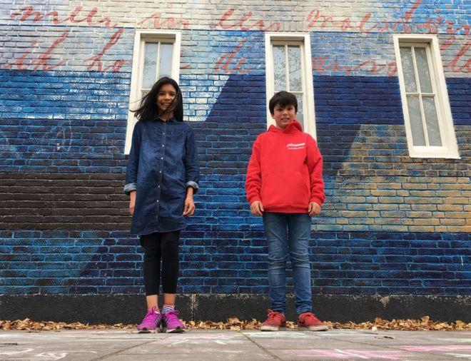 扎哈拉·贝伦·玛凯依和萨米·尼特尔所上的蒙特所利学校,正是当年安妮·弗兰克上过的。