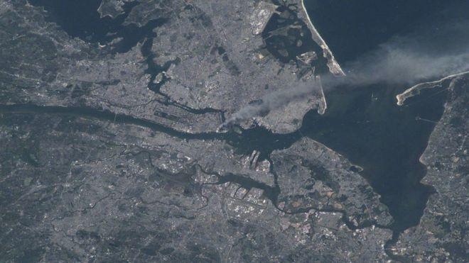 Foto tomada por el astronauta Frank Culbertson poco después del ataque a las Torres Gemelas