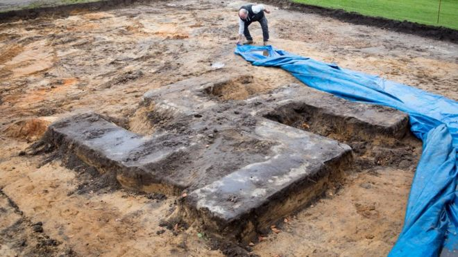 Giant swastika unearthed under sports field in Germany _98850451_f2c84872-1e2a-485e-8e4a-edd2f09031f0