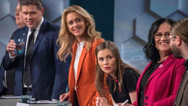 Накануне выборов в парламент осенью 2017 года кандидаты принимали участие в телевизионных дебатах (Рейкьявик, 27 октября)