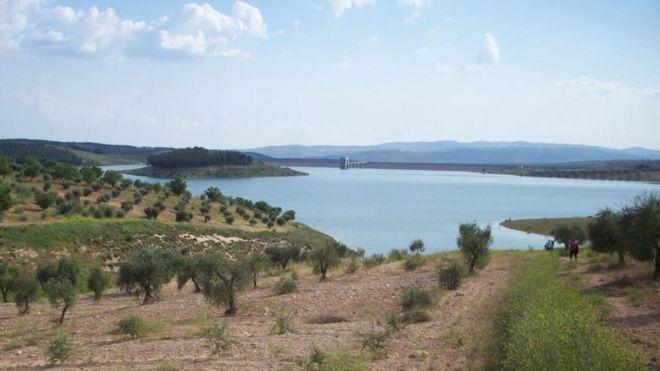 بحيرة سد 17 نيسان