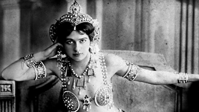 Portrait of Mata Hari, by Reutlinger photo studio in Paris