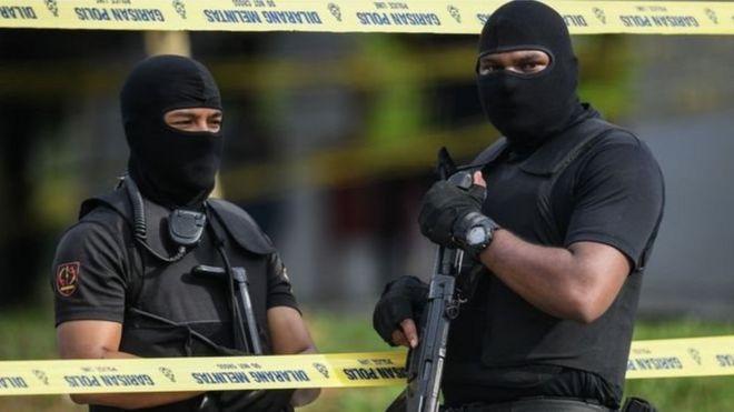 Guardian: Malezya'da gözaltındaki iki Türk'e yönelik kaygılar artıyor