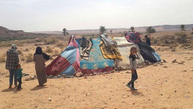 خيام اللاجئين في الصحراء