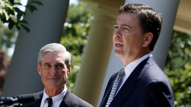 Robert Mueller (L) with his successor at the FBI James Comey,