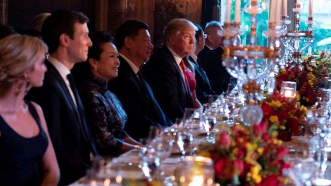 Ông Trump ra lệnh khai hỏa bắn vào Syria trước khi ngồi vào tiệc với ông Tập Cận Bình