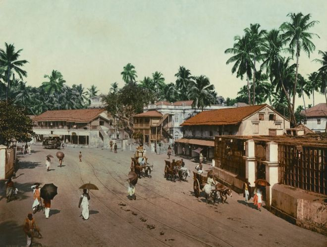 A colour photograph of Girgaum Road, Bombay