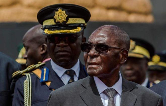 Mtindo mpya wa Rais Mugabe akiwa amenyoa nywele
