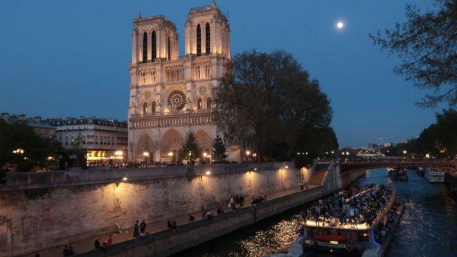 Fransa'nın başkenti Paris'teki ünlü Notre Dame Katedrali de listede yer alıyor ve 9'uncu sırada