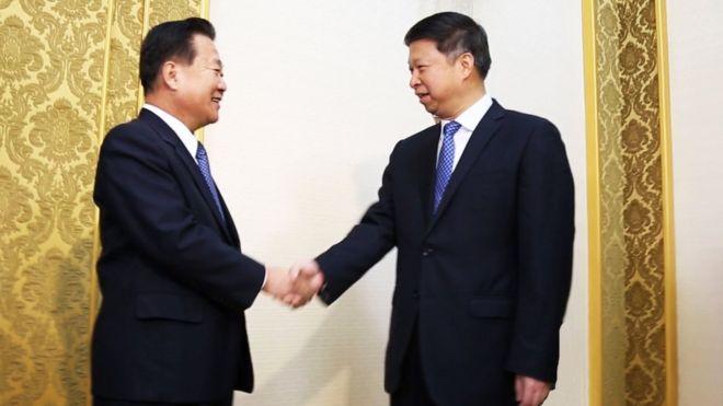 宋濤崔龍海握手