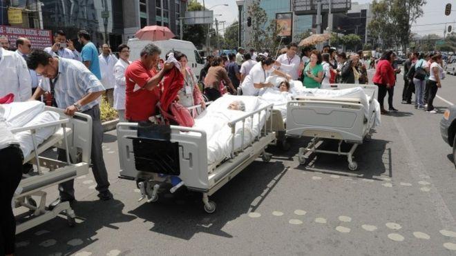 Pacientes de un hospital evacuados