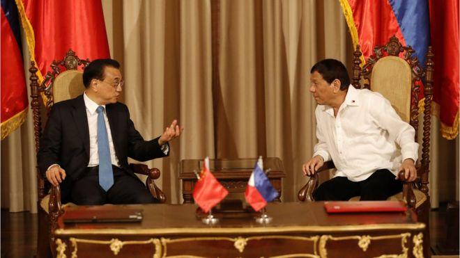 Tổng thống Duterte gặp Thủ tướng Trung Quốc Lý Khắc Cường tại Manila hồi tháng 11/2017.