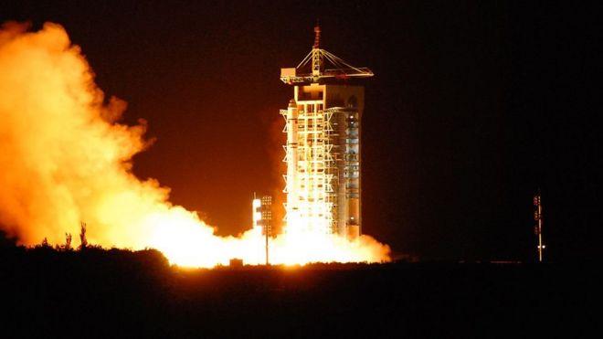 搭載墨子號的長征二號丁火箭去年8月在酒泉發射基地升空